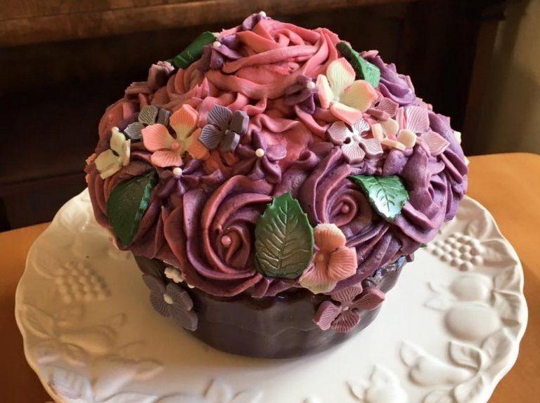 Hydrangea Giant Cupcake