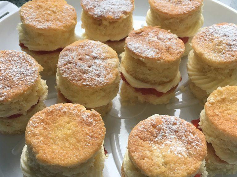 Victoria Sponge Mini-Cakes