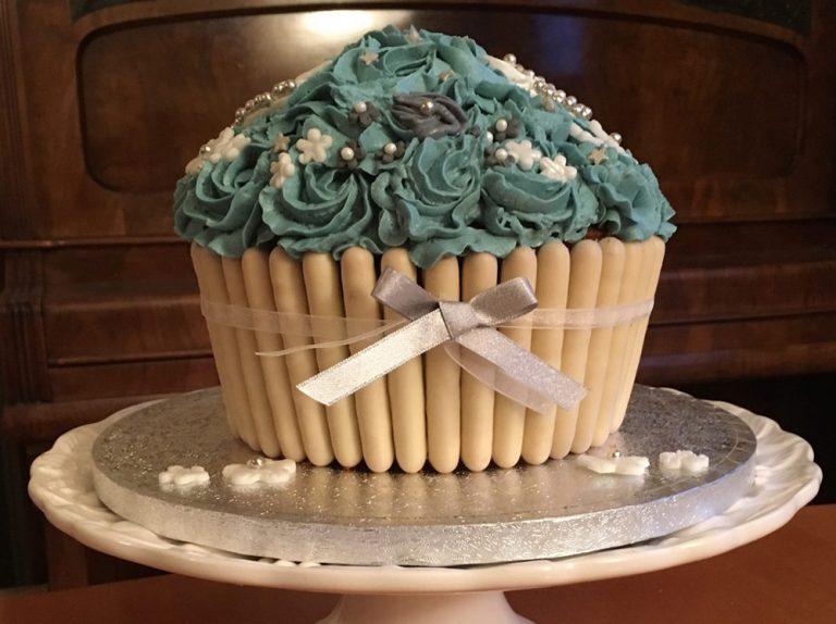White Chocolate Giant Cupcake